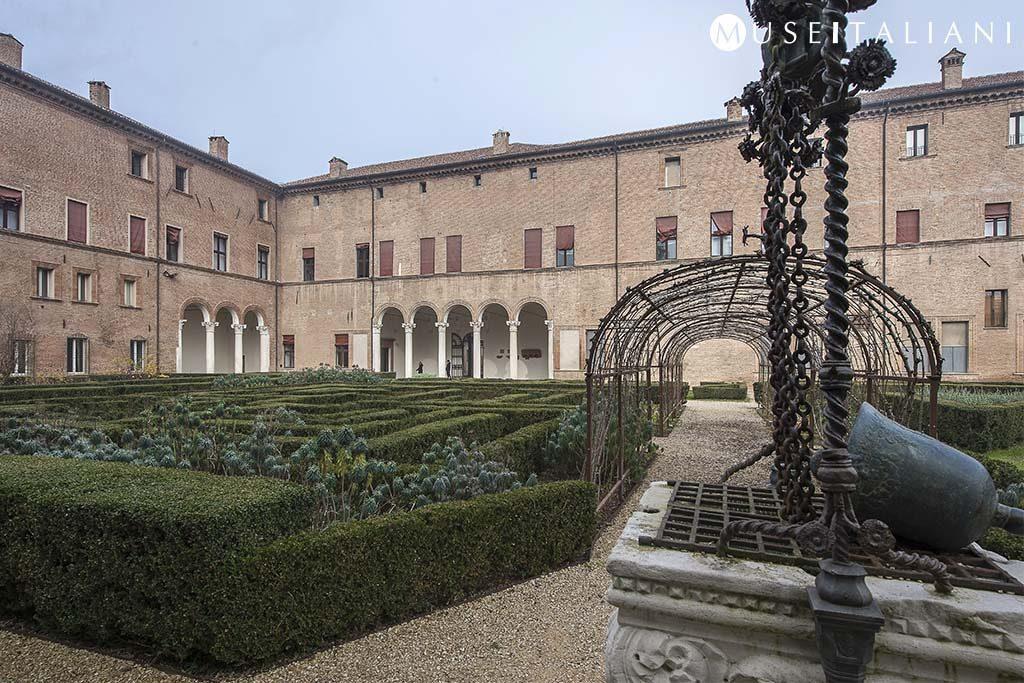 Museo archeologico nazionale di ferrara palazzo for Giardino wow ferrara