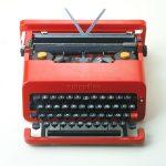 Ettore Sottsass jr. e Perry A. King, Valentine, AZIENDA - MANUFACTURER Olivetti, PROGETTO - PROJECT 1968, PRODUZIONE - PRODUCTION 1969, COURTESY Collezione Permanente - Triennale Design Museum